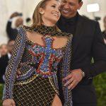 Jennifer Lopez and Alex Rodriguez are engaged! 9