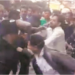Nigerian Man Beaten Mercilessly By Crowd In India After Assaulting 2 Cops [Photos/Video] 27