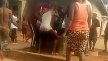 Man Commits Suicide By Jumping Into A Well In Delta State [Photos/Video] 7