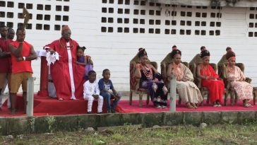 Oba of Benin Pictured With His Four Beautiful Wives During Traditional Event In Edo [Photos] 2