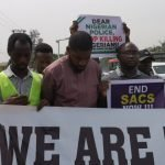 Nigerians Take #ENDSARS Protest To Police Headquaters Abuja, Lagos And Ibadan [Photos] 28
